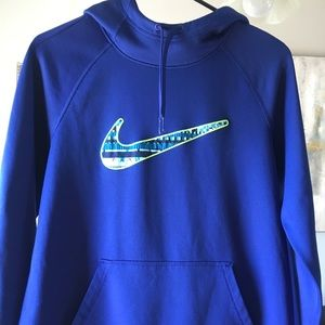 Nike Therma-Fit Hoodie. Adult small.